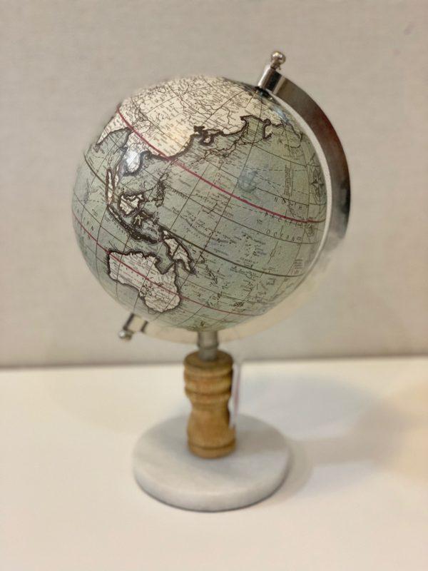 Estatueta globo
